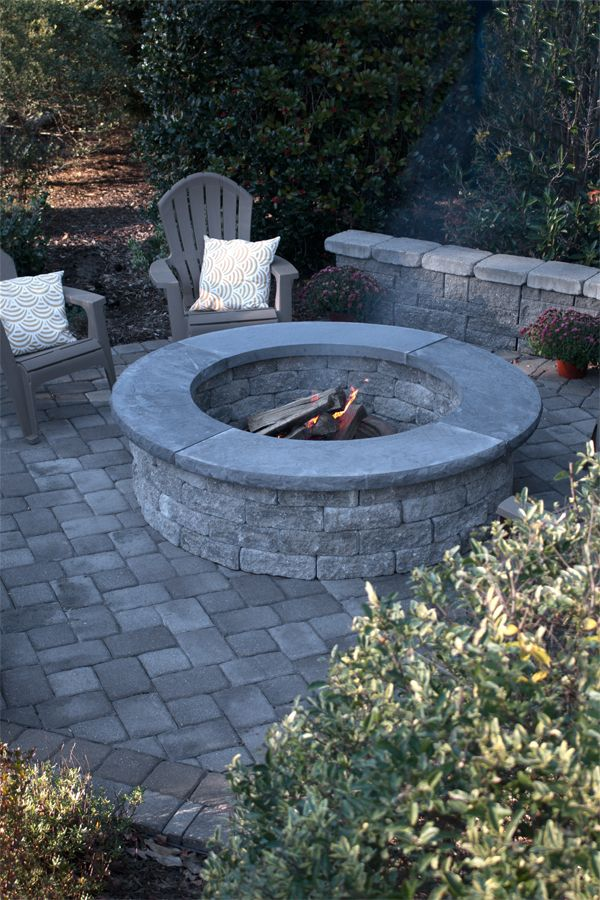 Pre Packaged With 4 Piece Radius Coping The Suffolk Fire Pit Shown In Granite Provides A Rustic Tumbled Finish And Perf Fire Pit Backyard Fire Pit Backyard