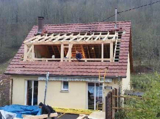 charpente cr ation de lucarne toit pinterest lucarne charpente et combles. Black Bedroom Furniture Sets. Home Design Ideas