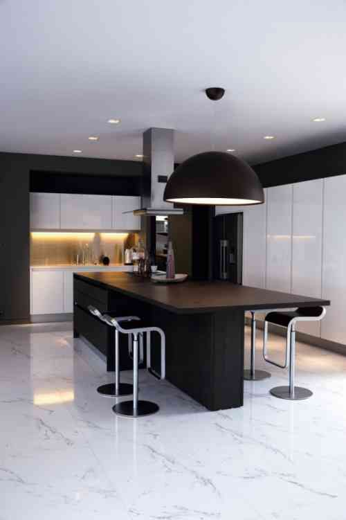 Carrelage Cuisine En Noir Et Blanc 22 Interieurs Inspirants Modern Kitchen Design Contemporary Kitchen Interior Design Kitchen