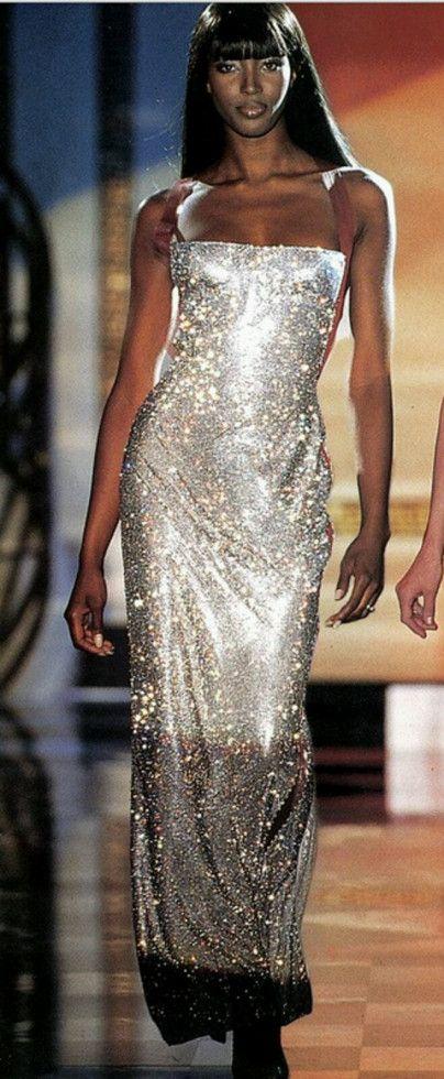 62ffc1d3f51c Abito da sera di Versace