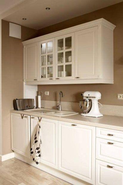 Białe Dodatki Do Kuchni Szukaj W Google Kitchenaid Kuchnia