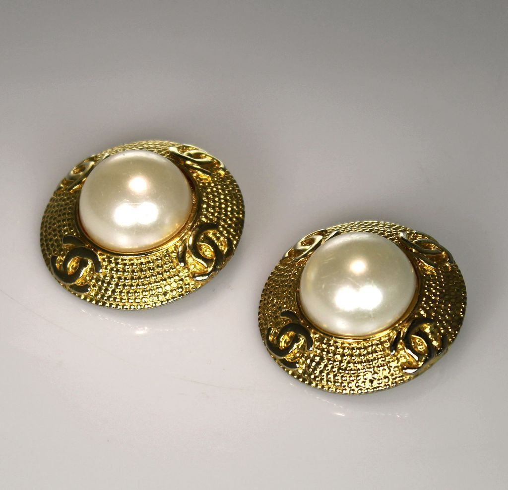 Vintage Coco Chanel Faux Pearl Earrings Circa 1971-80 ...