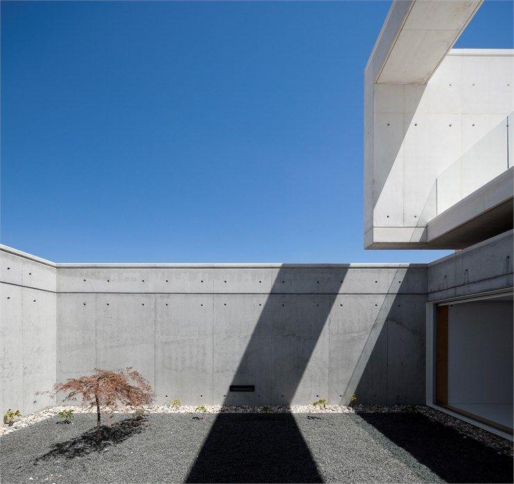 House in Leiria, Leiria, 2011