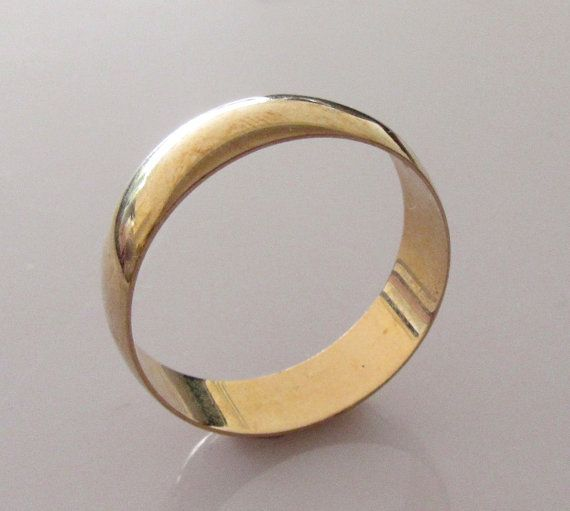 Large 9ct Gold Wedding Ring Band Size Y 1 2 Or 12 1 4 Etsy 9ct Gold Wedding Ring Gold Band Wedding Ring Wedding Rings