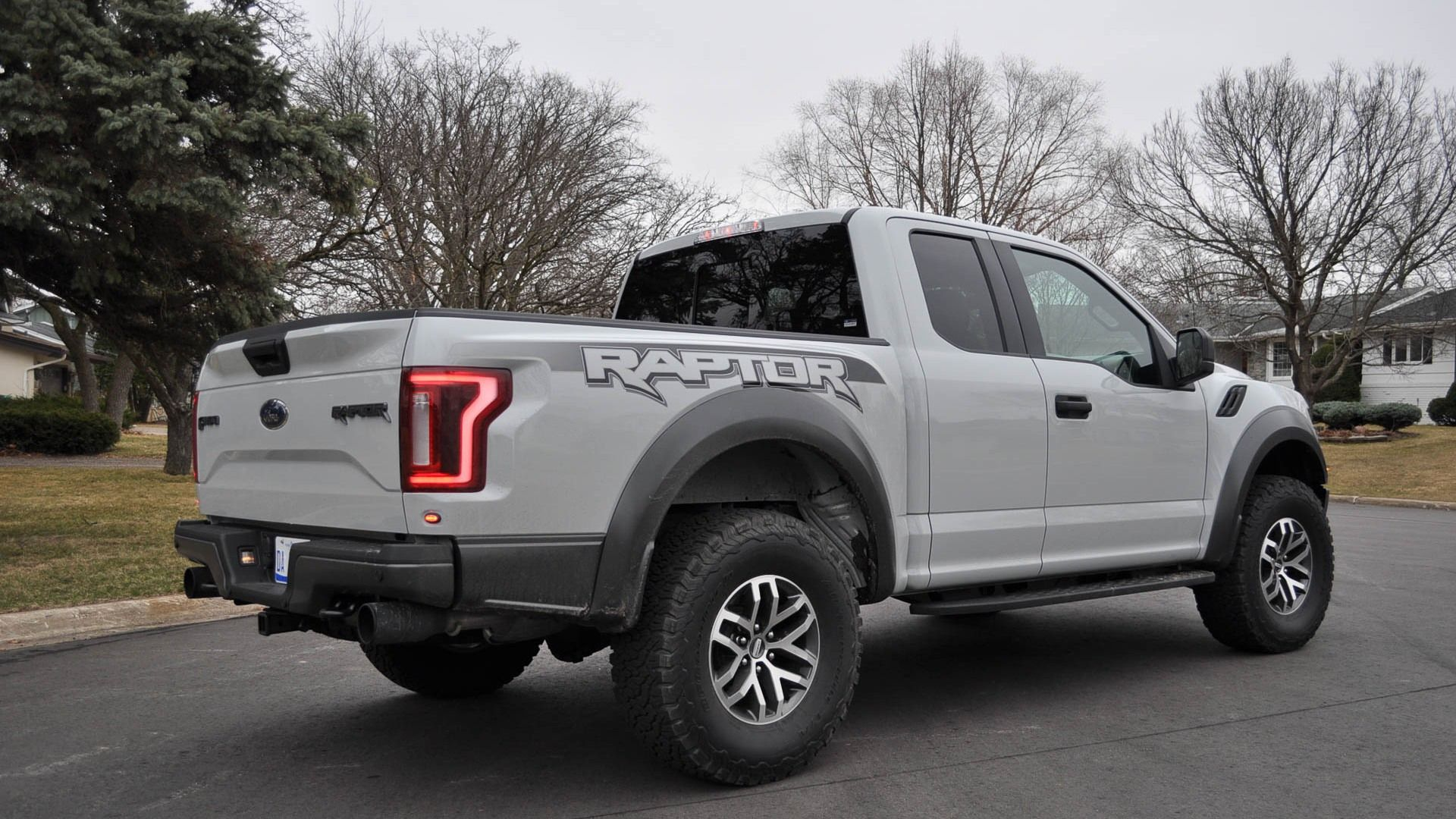 Living With The 2017 Ford F 150 Raptor The Good And The Bad Ford