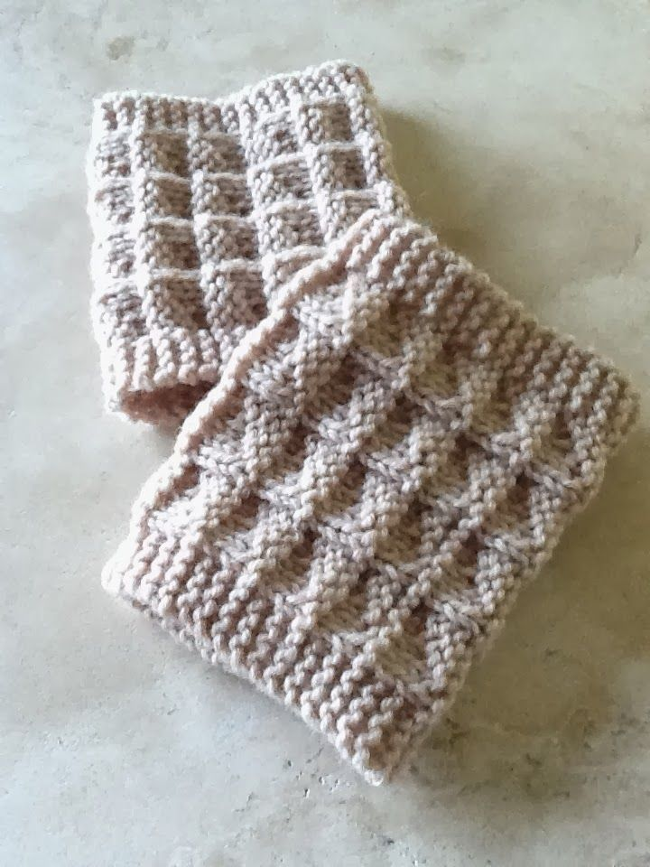 Kriskrafter: Free Knit Pattern! 2-Needle Boot Toppers / Cuffs   Love ...