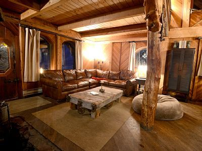 Telluride Cabin Rental The Family Room Comfortably Seats A