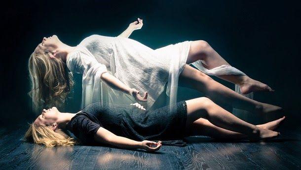 Resultado de imagem para alma saindo do corpo