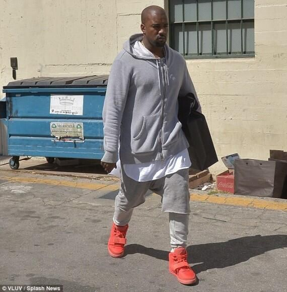 Desus Nice On Twitter Yeezy Shirt Kanye West Outfits Kanye West Style Outfits