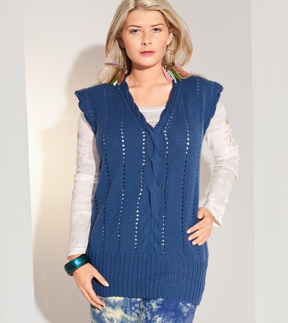 Удлиненный синий жилет с узором спицами