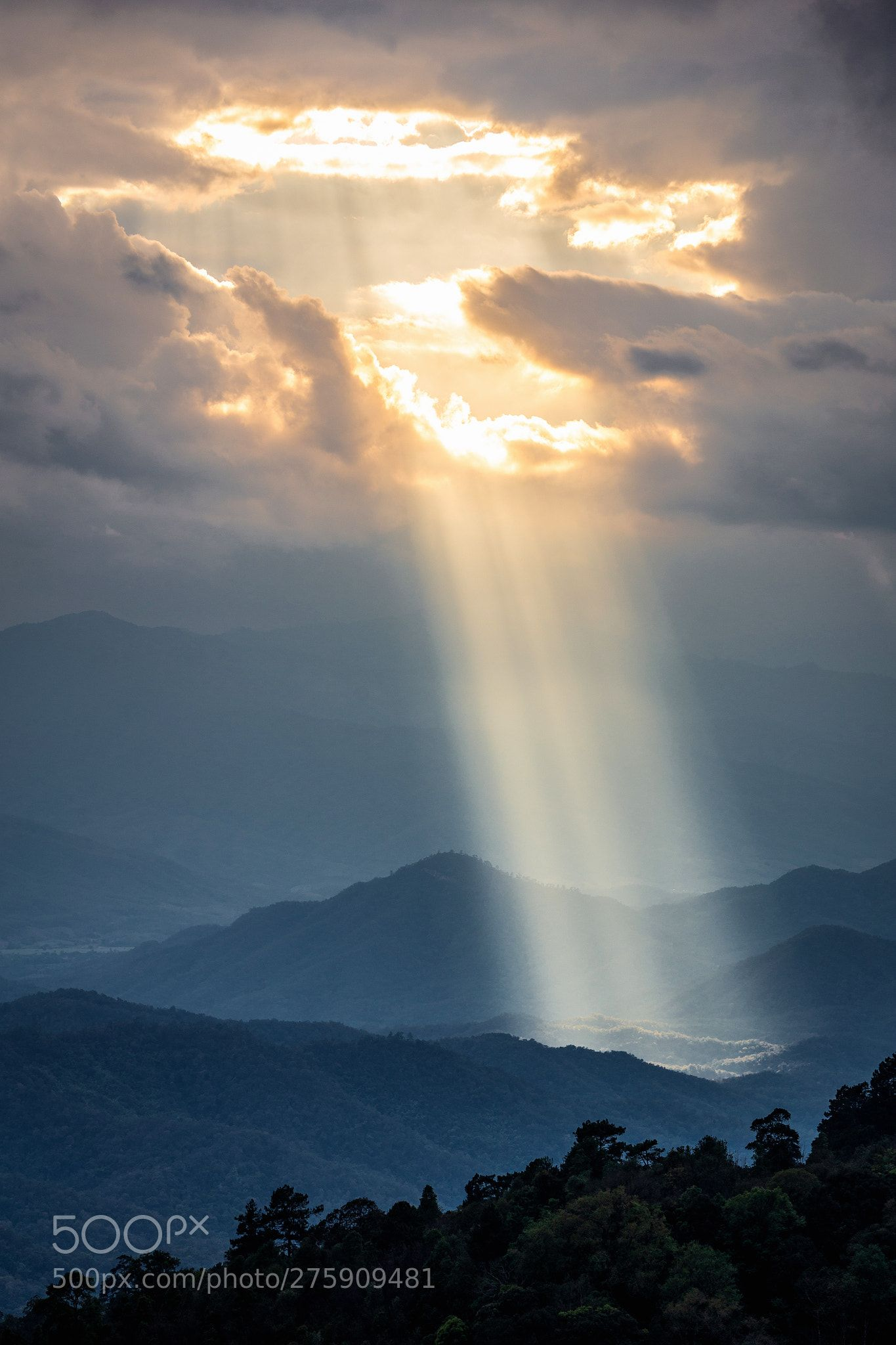 Sunlight Shining Through Hole Of Clouds To Dark Mountain Clouds Sky Aesthetic Clouds Photography