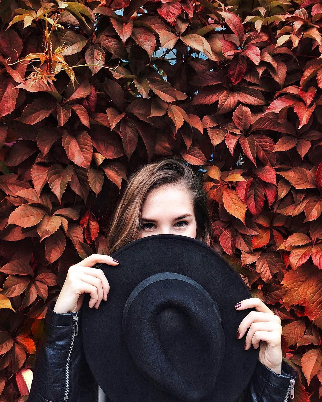 """""""Mi piace"""": 6,428, commenti: 76 - Sophie (@sofikulin) su Instagram: """"Столько поводов любить осень, сколько багряных листочков на этом фото✨"""""""