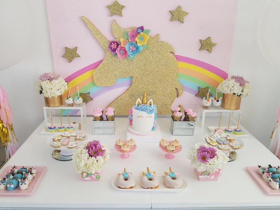 unicorn birthday party by innova deko mesa torta pinterest einhorn party party y geburtstag. Black Bedroom Furniture Sets. Home Design Ideas