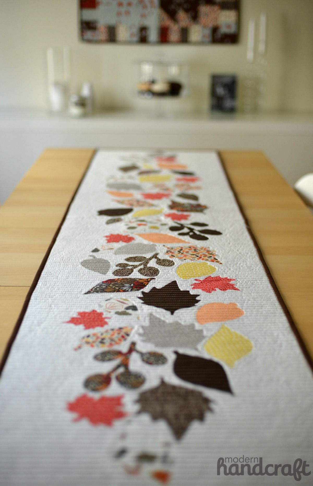 Fall Leaves Table Runner Cut With The Silhouette Instagram Giveaway Modernhandcraft