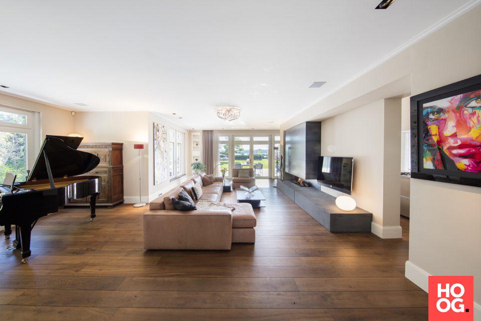 Luxe woonkamer inrichting met design meubels | Favorite interiors ...