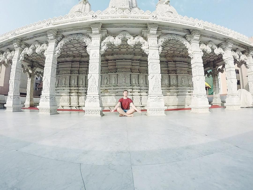 It's good to stop slow down & think #ttot #travels #travelingram #meditation #positivevibes #instagood #instatravel #wanderlust #travelblogger #india #temple #vscocam #gopro #peace #buddhism #livewell