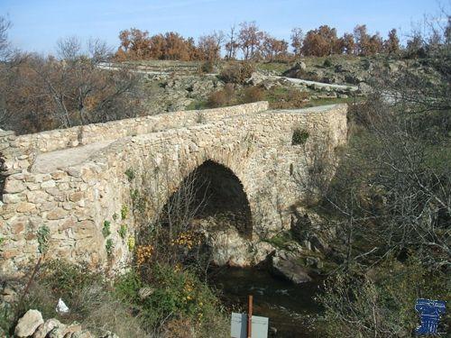 canencia puente matafrailes 1.jpg a ruta de los puentes medievales de Canencia de la Sierra, en la sierra norte madrileña, formada por Puente Canto, Puente de las Cadenas, Puente de Matafrailes.
