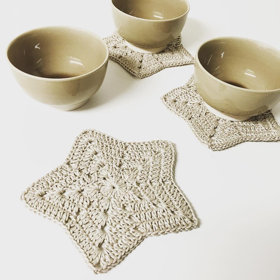 #heklestjerne og nye skåler klare for litt julegodt ❄️ Preparations for Christmas. New bowls and #crochetstar for Christmas candy ❄️ #haken #hekle #hekler #heklet #hekling #heklespam #hekledilla #croche #crochê #crochet #crocheted #crocheting #crochetaddict #virka #virkat #virkstagram #ganchillo #örgü