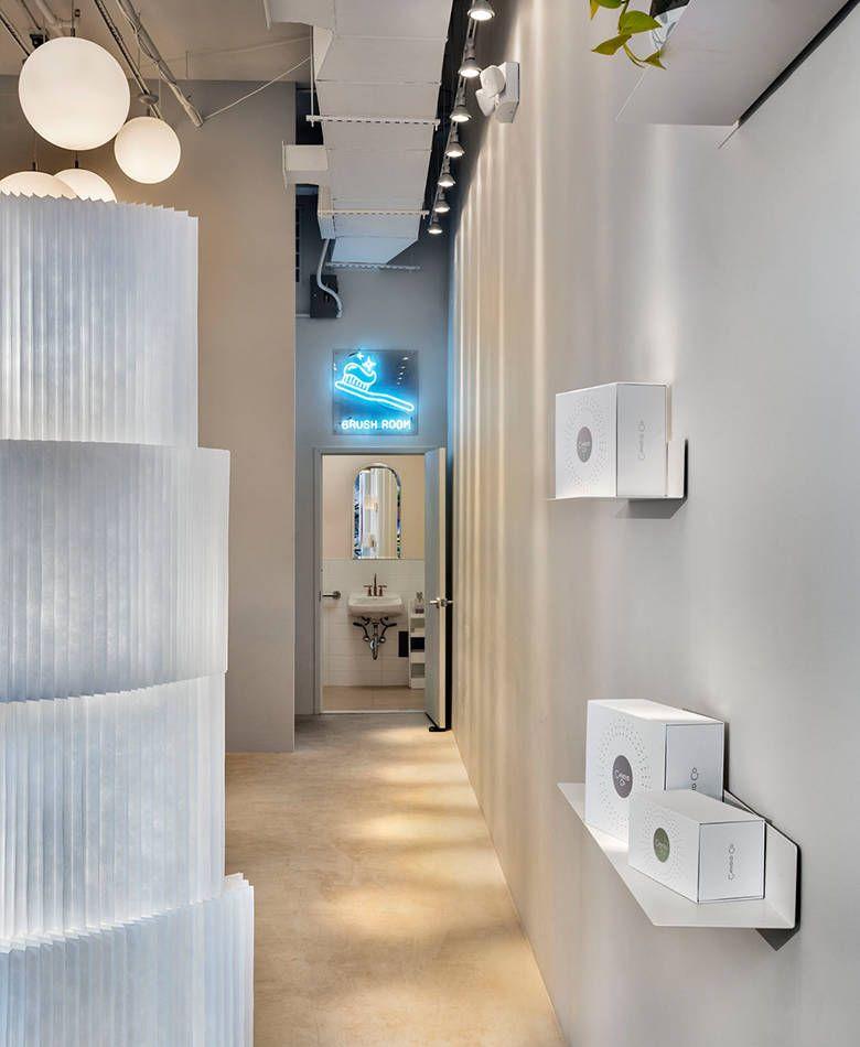 social Lighted bathroom mirror, Teeth straightening