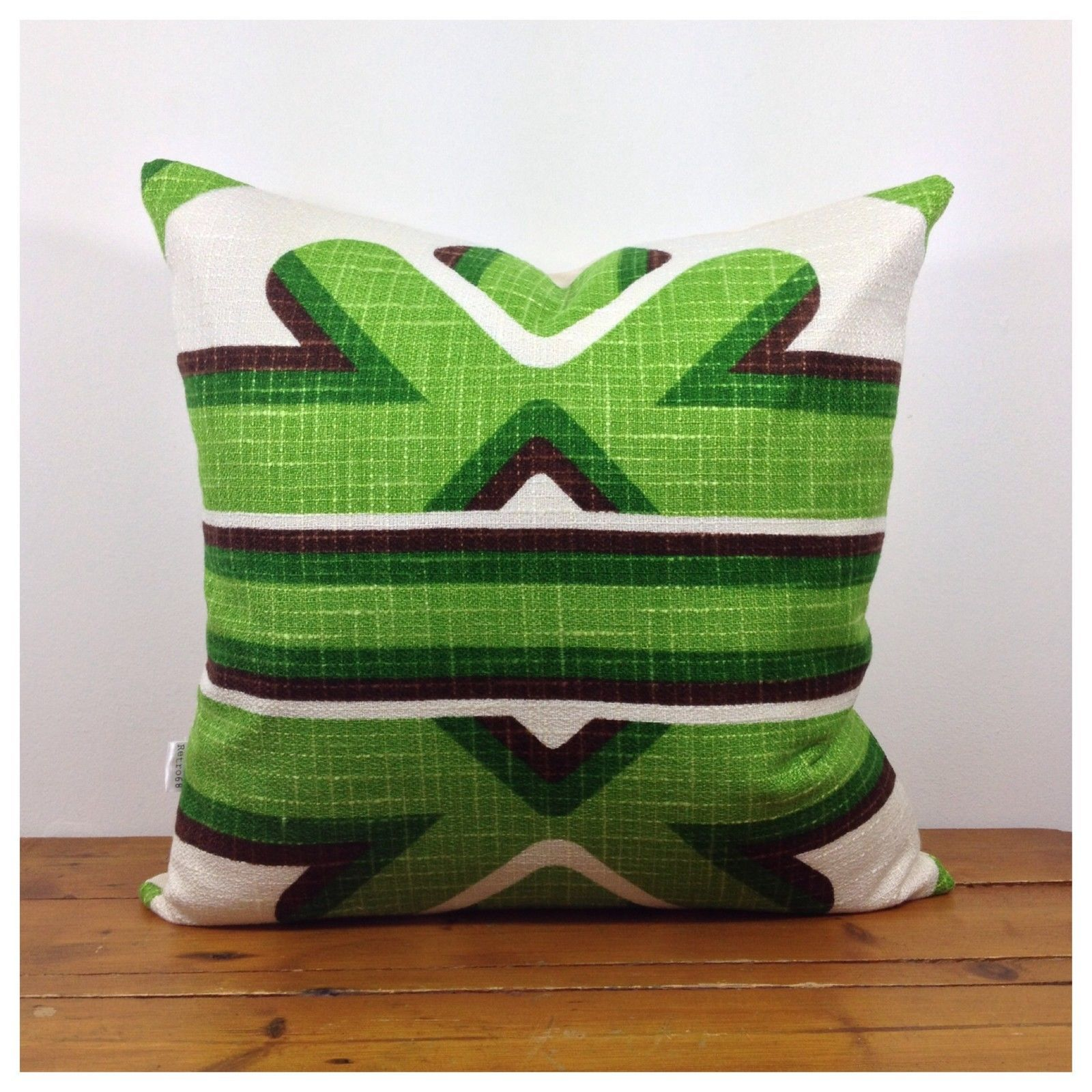 S vintage retro pop art cushion cover