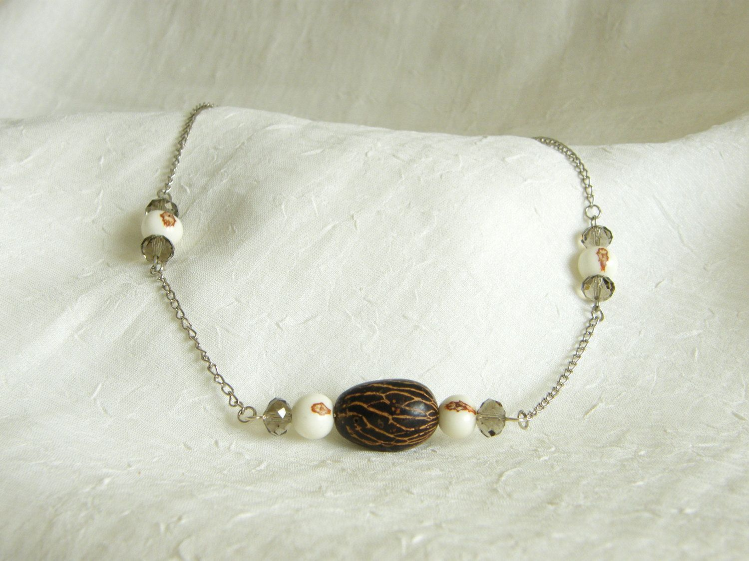 Handmade Brazilian Açaí and Paxiubinha Seeds, Czech Crystals and Silver Chain Chocker - Eco-Friendly Necklace by LauraBijoux on Etsy