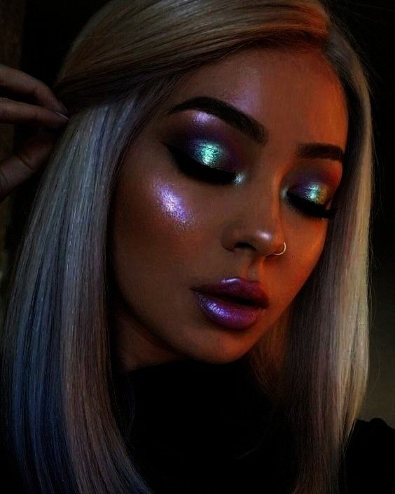 your glow in space - Samantha Fashion Life -  14 iridescent highlighters that amplify your glow in