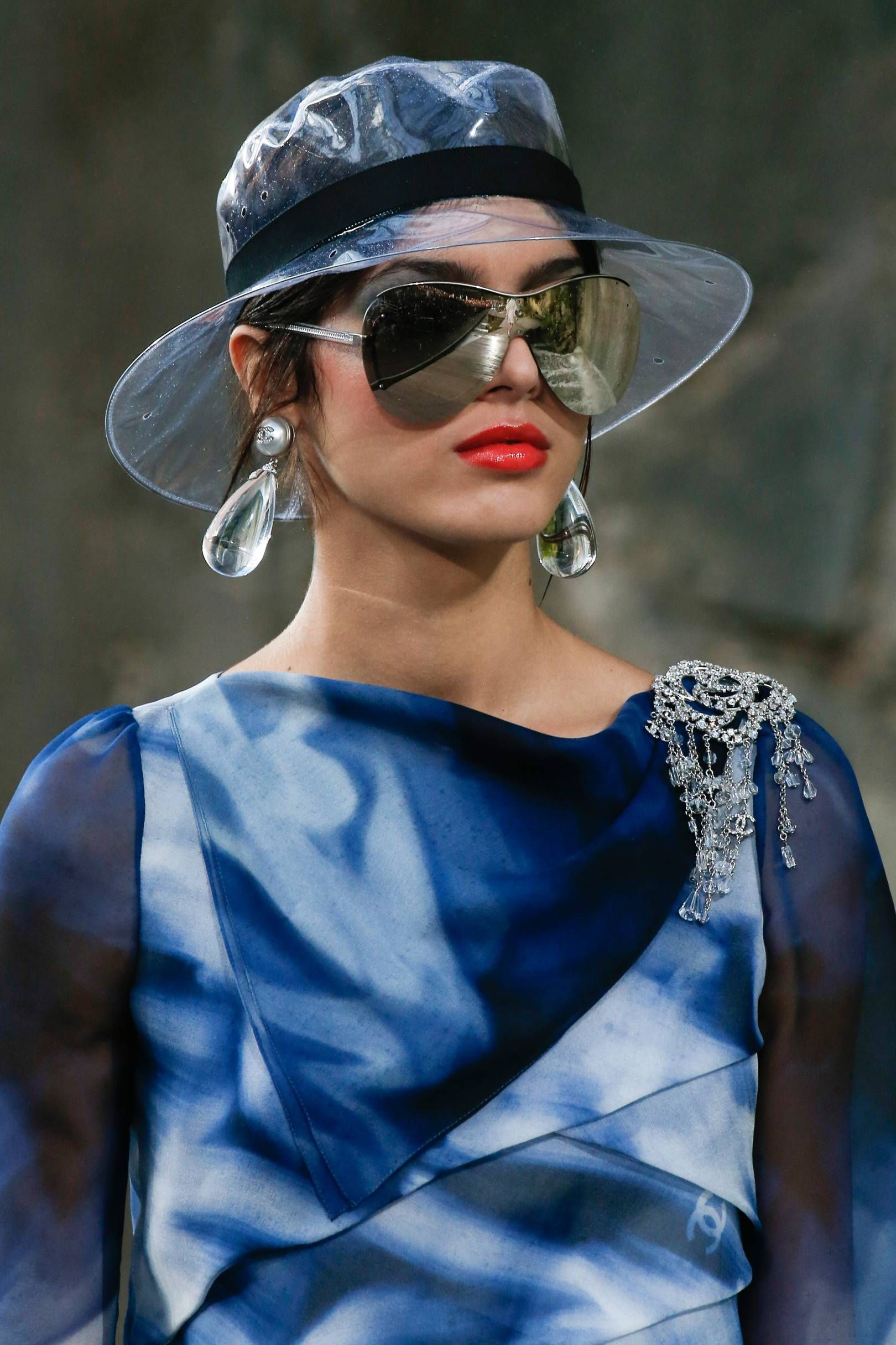 249a89e9be Vogue s Ultimate Sunglasses Guide Spring Summer 2018