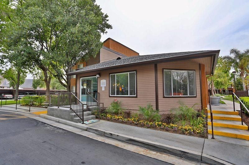 951 785 4343 1 2 Bedroom 1 2 Bath Artessa Apartments 7600 Ambergate Place Riverside Ca 92504 Outdoor Decor Apartments For Rent Photo