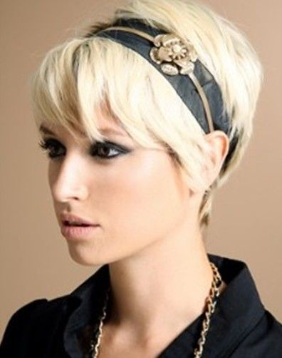 Pixie Haircut With Cute Accessories Popular Haircuts Thick Hair Styles Short Hair Styles Short Hair Trends