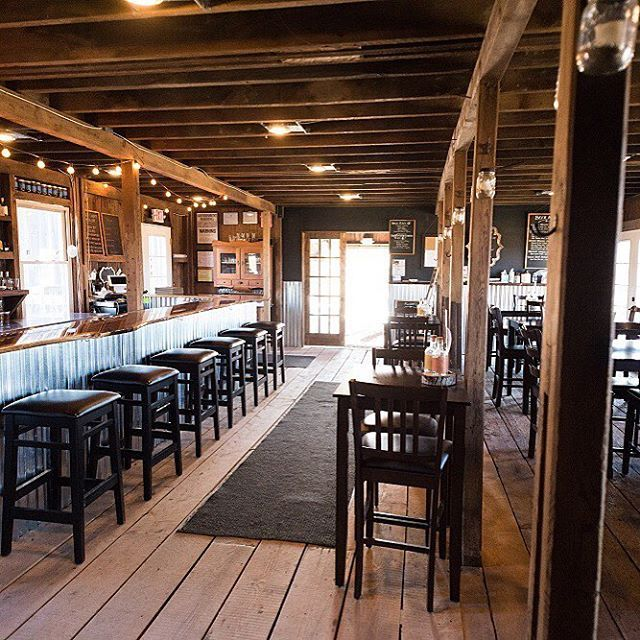 It's cold out there today, but not in here.  Orange County Distillery at Brown Barn Farms. See you soon. Open now til 9ish Sunday 12 til 7 286 Maple Avenue, New Hampton, NY @brownbarnfarms  #orangecountydistillery #brownbarnfarms #farmdistillery #craftdistillery #farmcocktails #craftcocktails #farmtobottle #goshenny #hudsonvalley #hudsonvalleyny #sallysoslerphotography