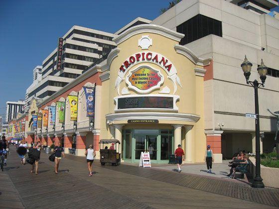 Outdoor Pool At Tropicana Atlantic City Atlantic City Vacation Family Vacation Packages Tropicana Hotel