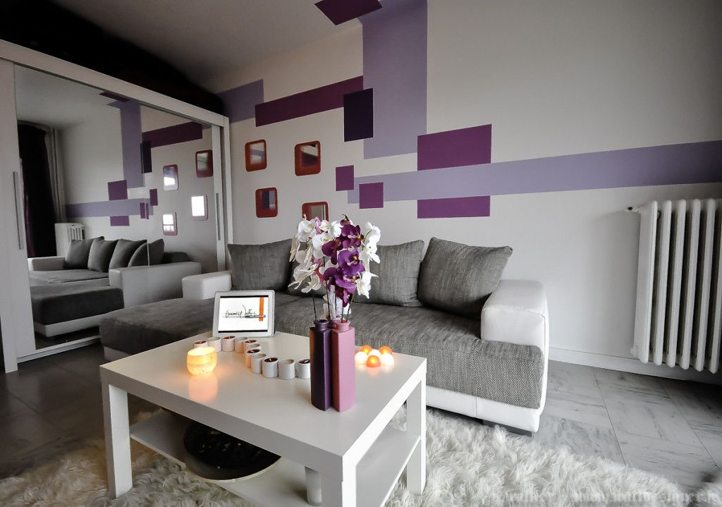 am nagement d co salon gris et violet int rieur violet. Black Bedroom Furniture Sets. Home Design Ideas