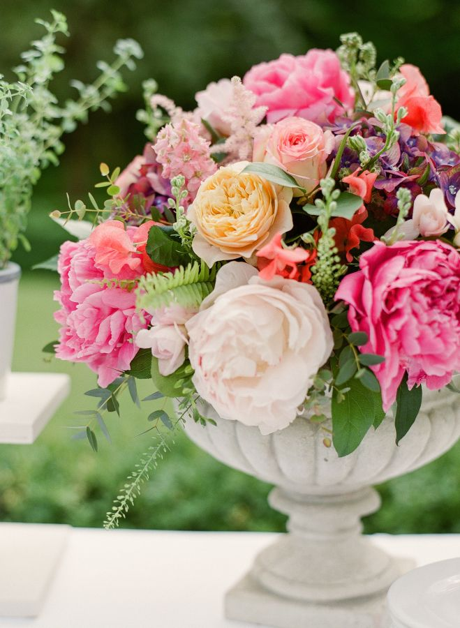Italian-wedding-flower-arrangement http://itgirlweddings.com/everything-need-know-plan-wedding-abroad/