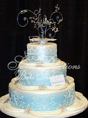 wedding cake wonderland wedding winter wonderland w jpg 300 215 400 nadine s 26985
