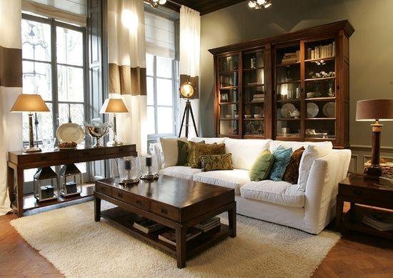 saln de estilo colonial el mobiliario librera consola mesa de centro y