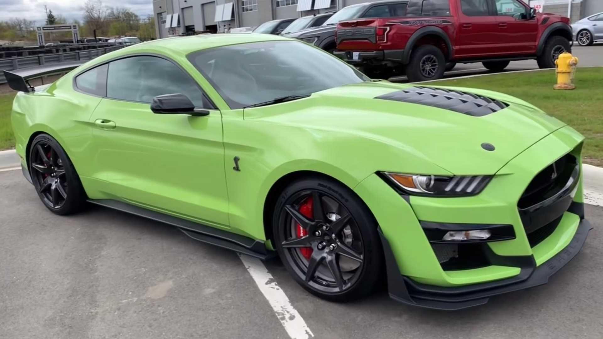 Grabber Lime 2020 Ford Mustang Shelby Gt500 Filmed In Detail