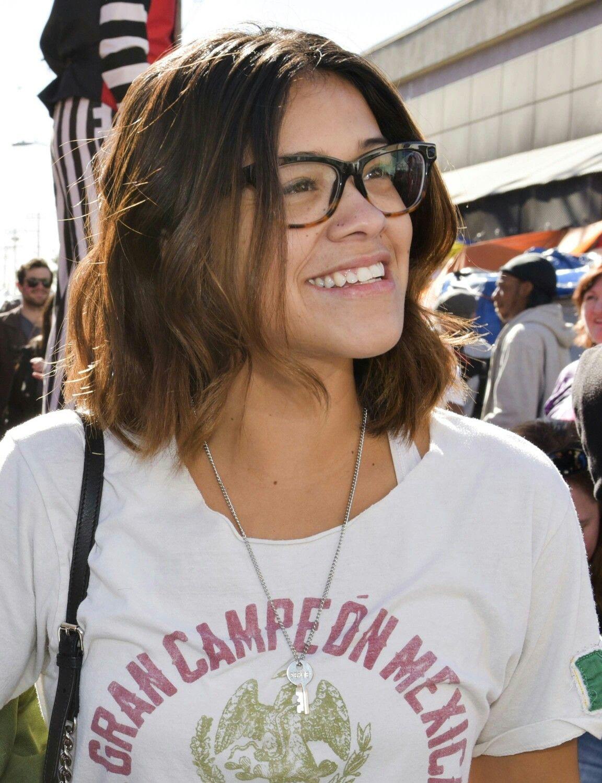 Gina Rodriguez Hair Cuts Hair Makeup Moving