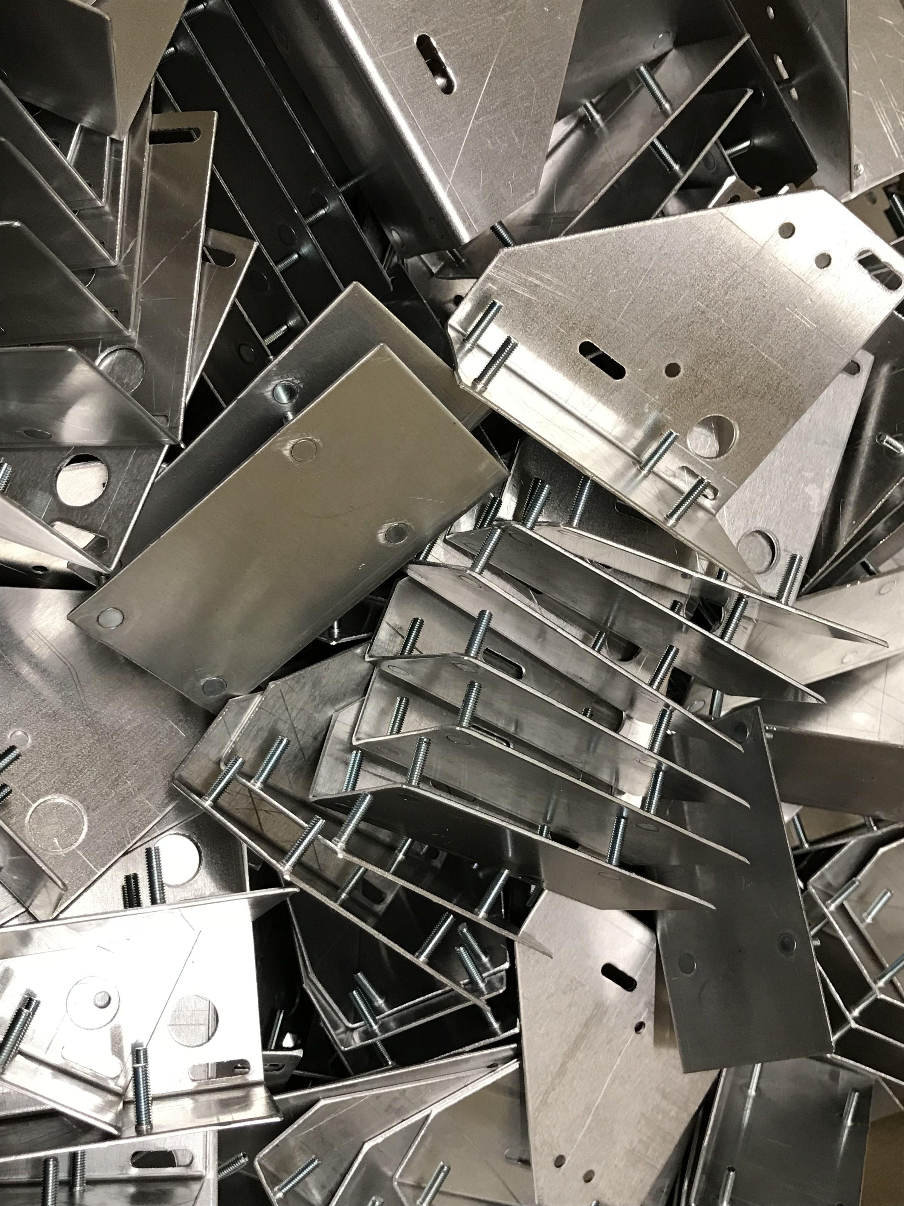 Aluminium and mild steel sheet metal brackets manufactured