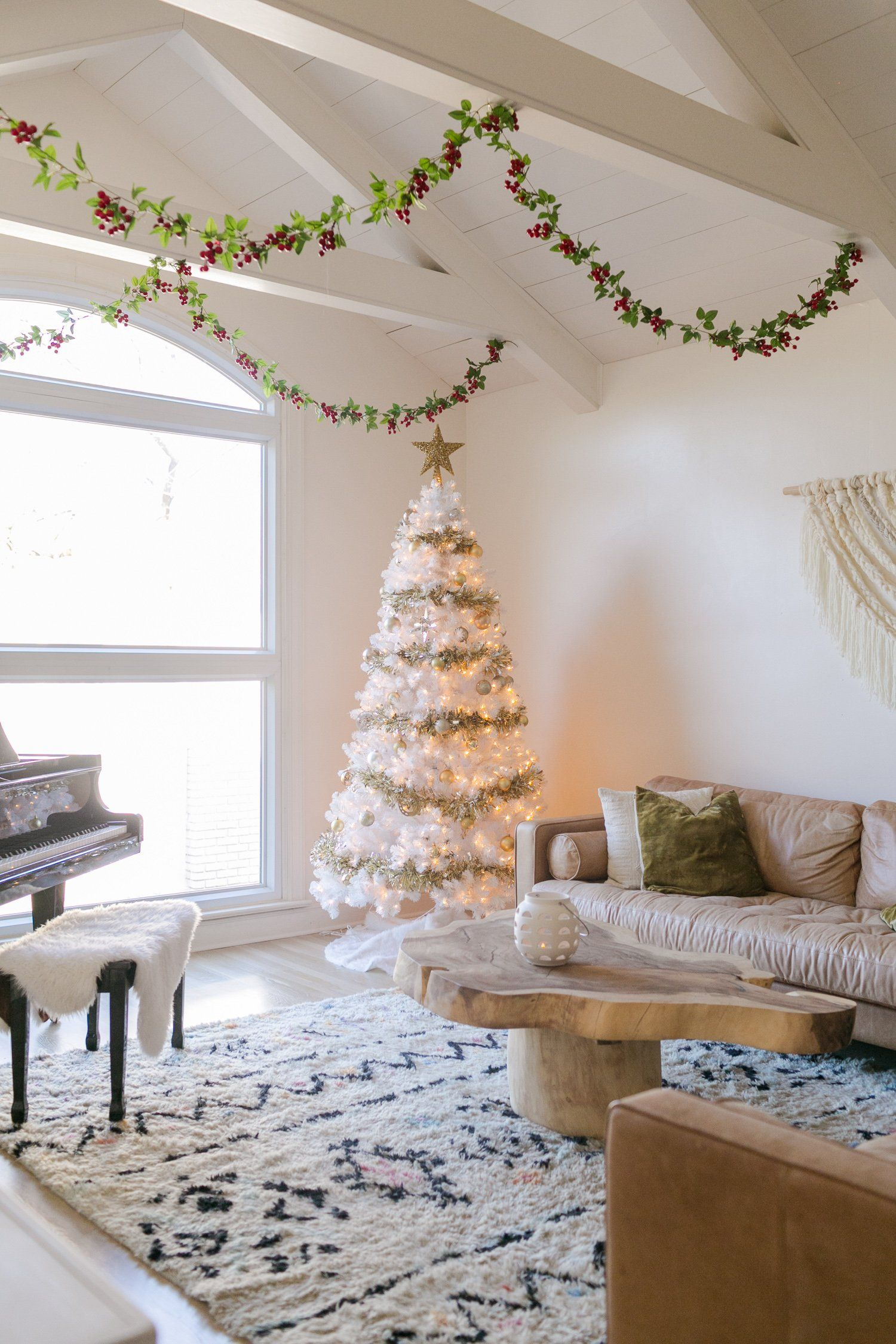 Elsie's Holiday Home Tour 2019 Christmas tree