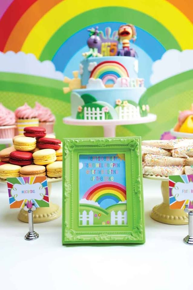 Rainbow Hi 5 Party