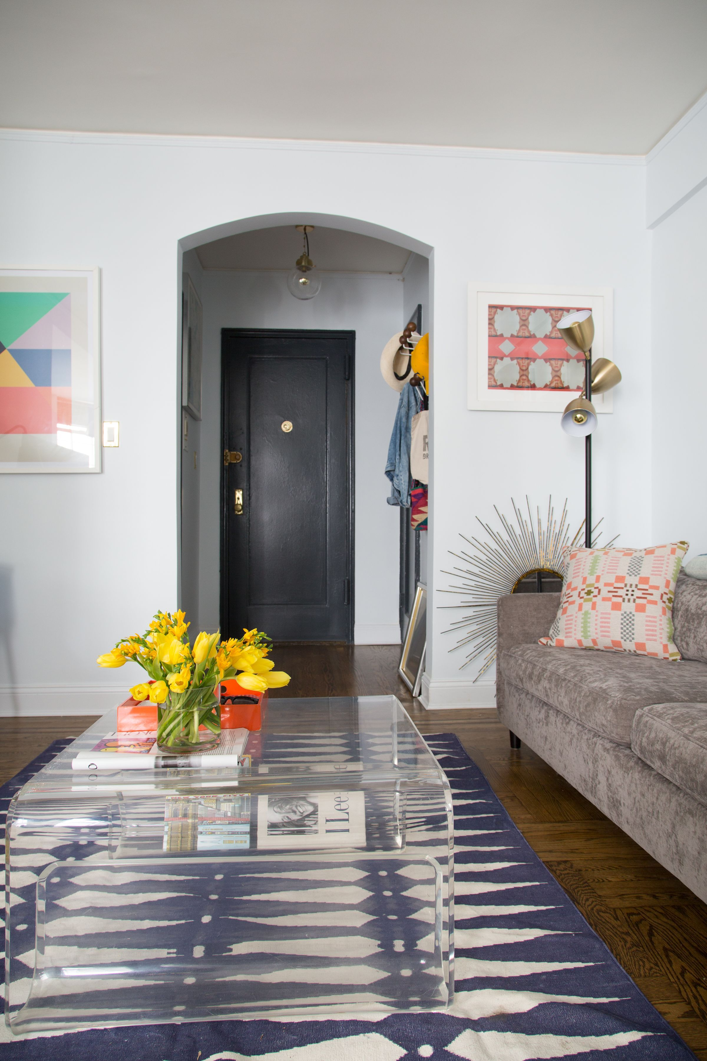 A Colorfully Eclectic 450SquareFoot Studio in Greenwich