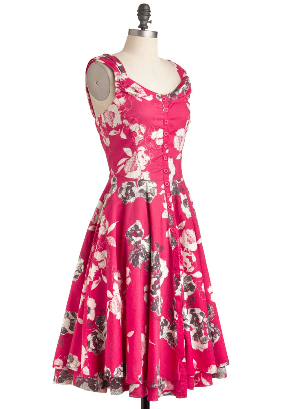 Drawn to Your Beauty Dress | Mod Retro Vintage Dresses | ModCloth ...