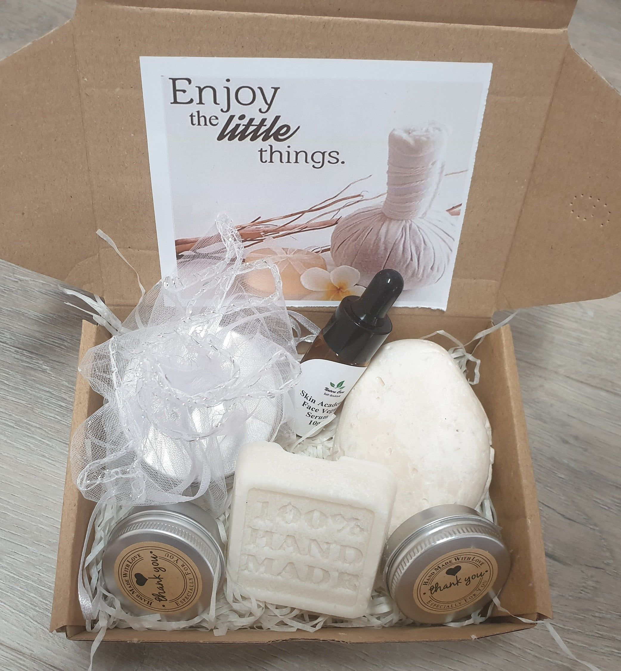 Small Vegan Spa Gift Etsy In 2020 Spa Gifts Spa Gift Box Vegan Gifts