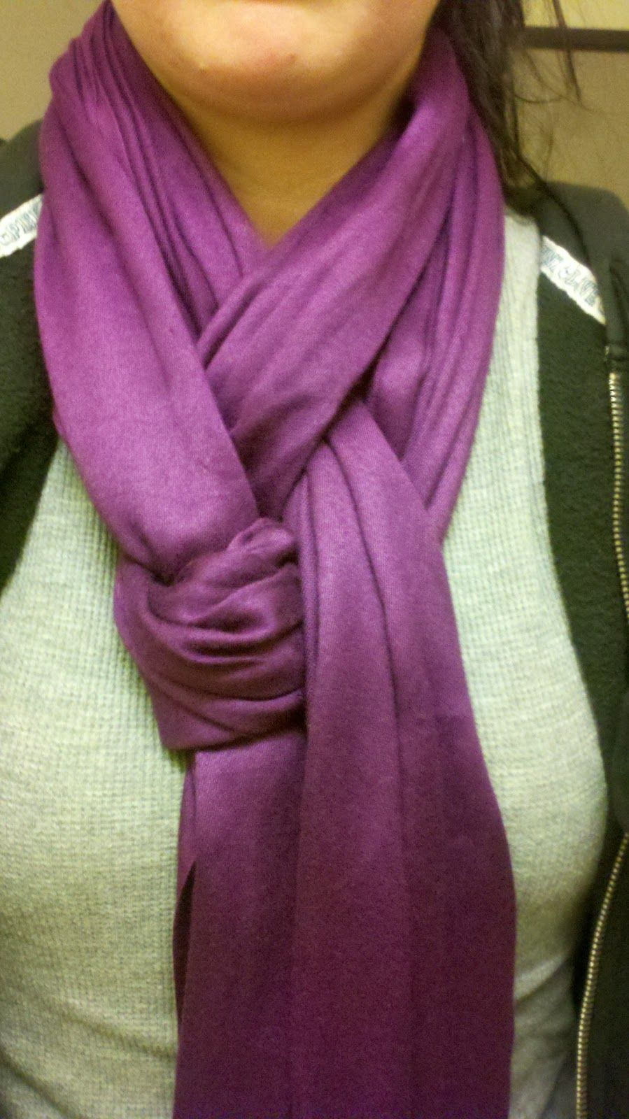Two Cute Ways To Tie A Scarf.