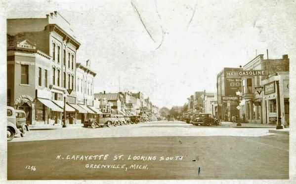 Lafayette St looking South, Greenville - ca. 1920s-30s (Edmore Pine Forest Mus) #GreenvilleMI http://on.fb.me/1KLsiDo