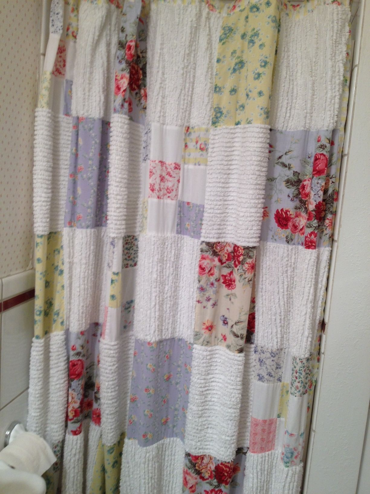 Patchwork shower curtain Do in cotton from sheets and