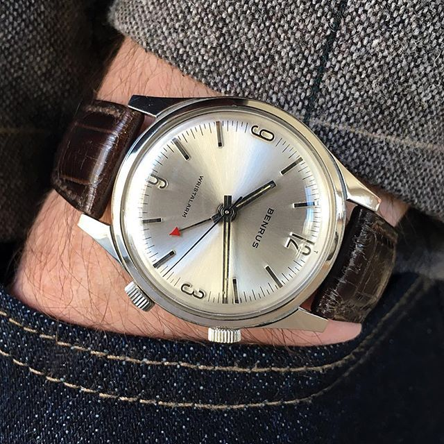 This minty vintage Benrus Wrist Alarm just went live on watchsteez.com!