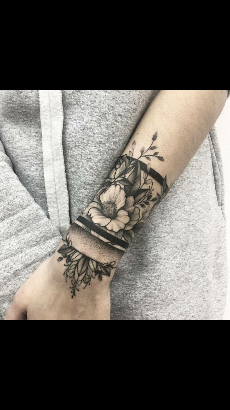 Pin by kisa on tattoos pinterest tattoo tatting and piercings artist vlada shevchenko inks beautiful flower tattoos on her clients combining bold shading and a delicate hand the pieces gracefully flow on the body mightylinksfo
