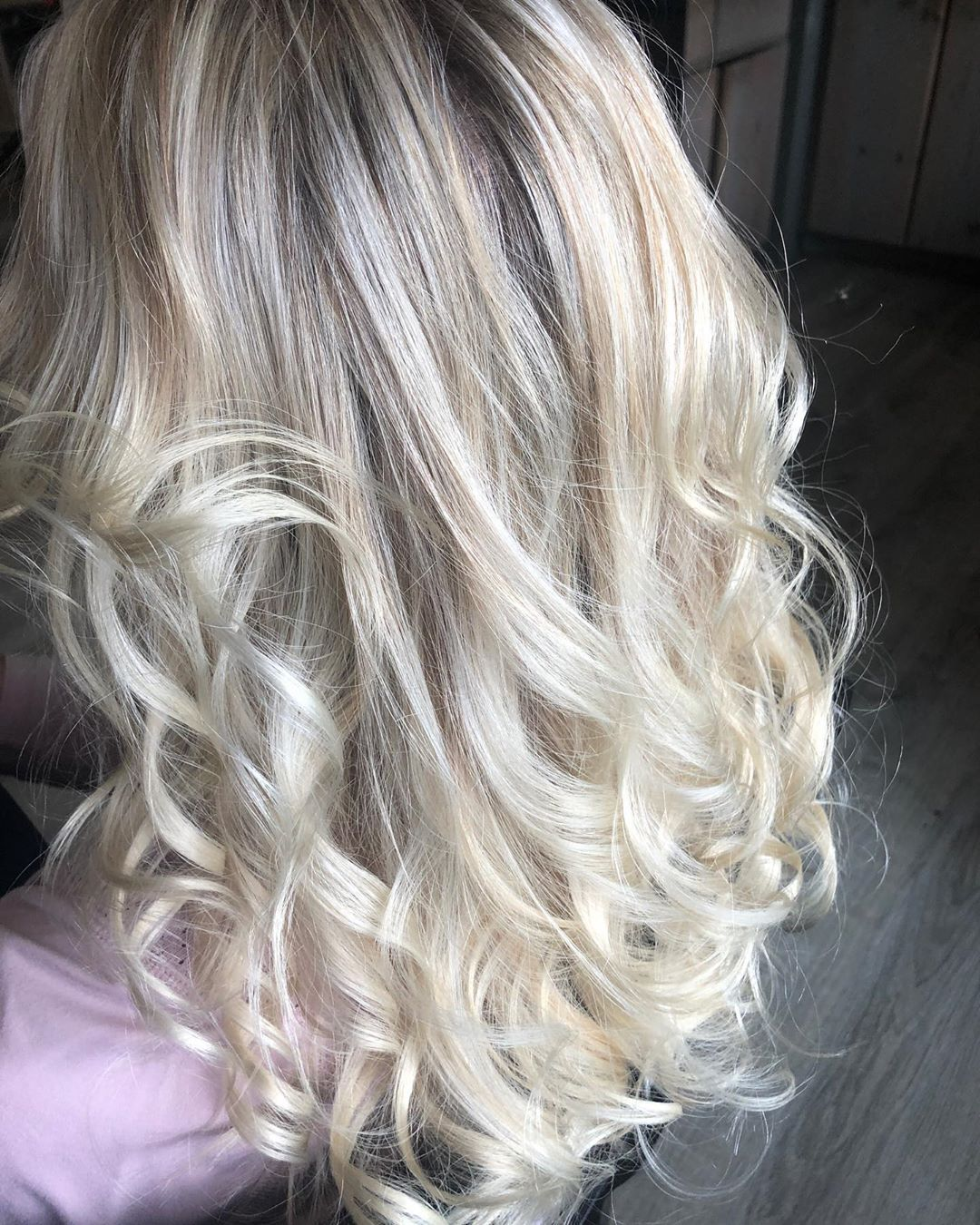 My Magical Blonde Babe that was once a color correction✨ #redken #redkenshadeseq #redkenobsessed #redkenready #redkenflashlift #blondehair #blonde #icyblonde #livedinblonde #dimensionalblonde #coolblonde #highlights #framar #colortrak #hairgoals #hairinspo #hairinspiration #olaplex #saloncentric #ittakesapro #bioionic #behindthechair #modernsalon #nofilter