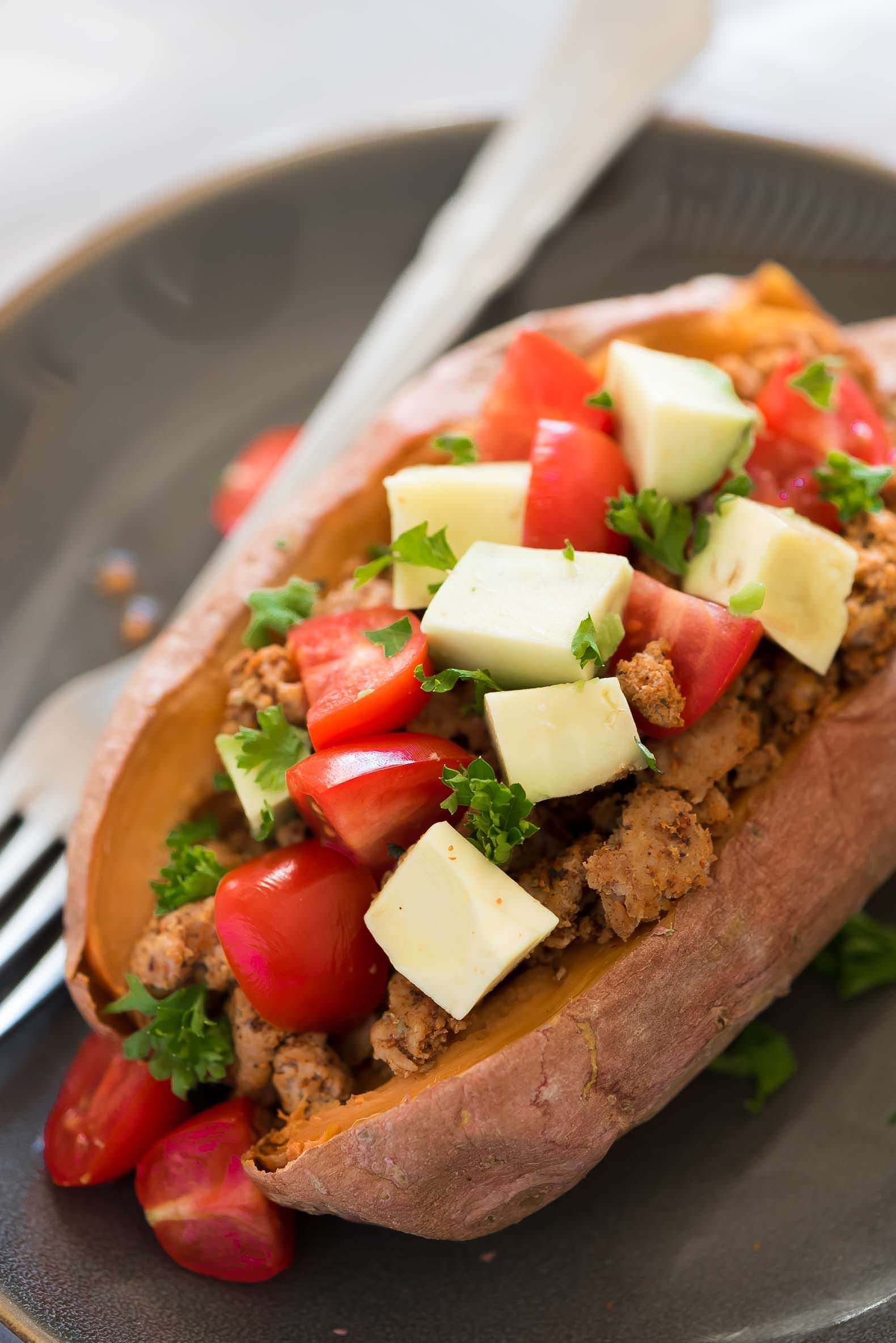 Taco Paleo Stuffed Sweet Potatoes require only 5 ingredients making these sweet and slightly spicy potatoes a healthy, make ahead dinner and lunch option!